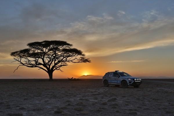 Auto Zietlowa - Volkswagen Touareg V6 TDI na oponach Goodyear (2)