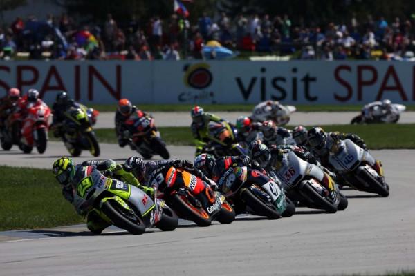 Rywalizacja w wyścigu Moto2