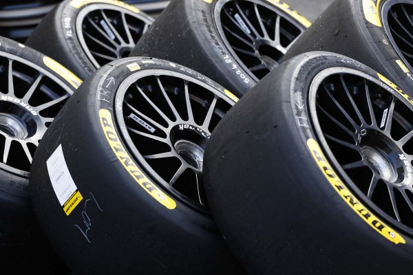 Nowe linie opon Dunlop dla wyścigów długodystansowych debiutują na torze Silverstone (1)