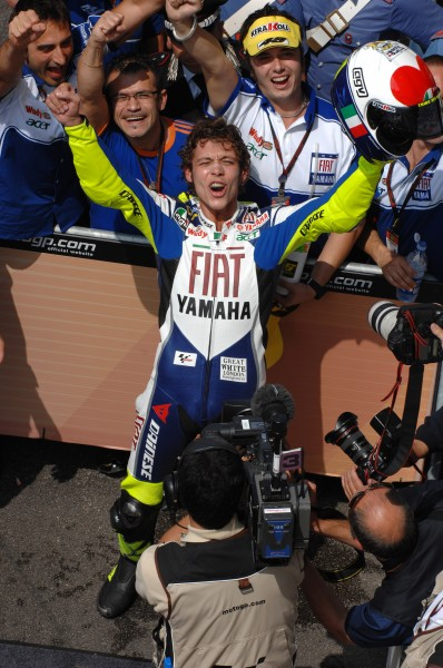 1043_R06_Rossi_finish