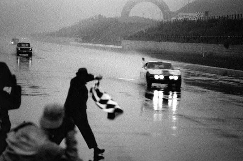 fot_14_1967_triumf_toyoty_w_wyscigu_fuji_1000_km