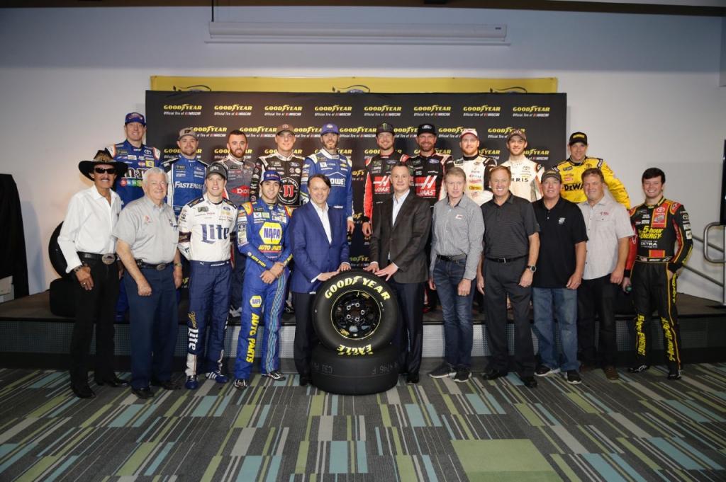 Goodyear i NASCAR przedłużają historyczną współpracę